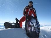 Александр Климов начинает табачную агитацию прямо на вершине Монблана