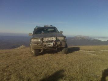 На фоне горы Черной и Чучель. Вдали Эклизи-Бурун
