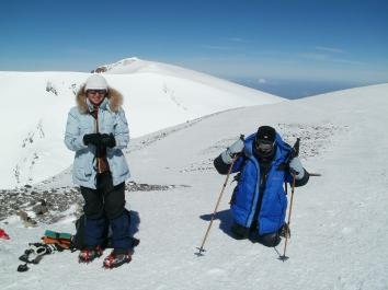 Параолимпийцы на Эльбрусе. Утюжки сменили на лыжные палки