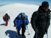 В. Илларионов, С. Джамаль и примкнувший к нам путник в 2 метрах от вершины