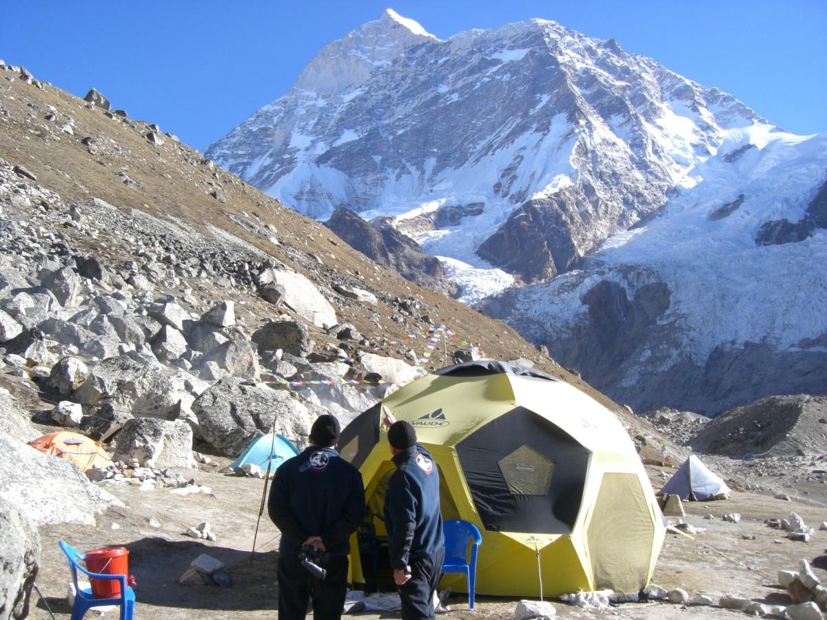 Наш базовый лагерь под Макалу