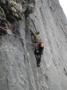 Андрей на второй верёвке м-та