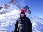 Юра с камерой GoPro, предоставленной Жовдатом Агачевым, которая засняла весь спуск по Vallee Blanche