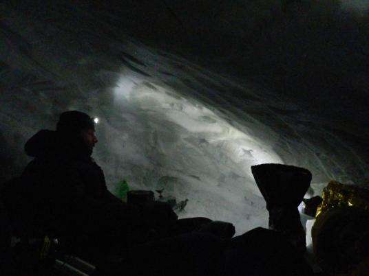 Женя Бруско размышляет о Дне Защитника отечества, сидя в пещере