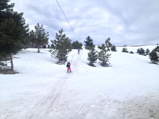 Учебный склон Kich-Kine High Mountain Ski Resort ***** (Ай-Петри) лучше всего подходит для обучения детей