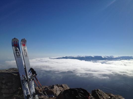 Вид с Эклизи-Бурун в сторону главной гряды гор