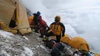 Так выглядит Лагерь 3 на высоте 8300 м. Фото Sean James