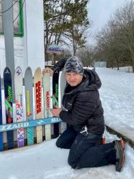 Мои первые горные лыжи - самый значимый для меня подарок от родителей, времён счастливого детства